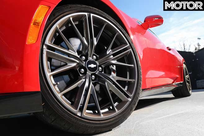 07 2019 Chevrolet Camaro ZL1 wheel