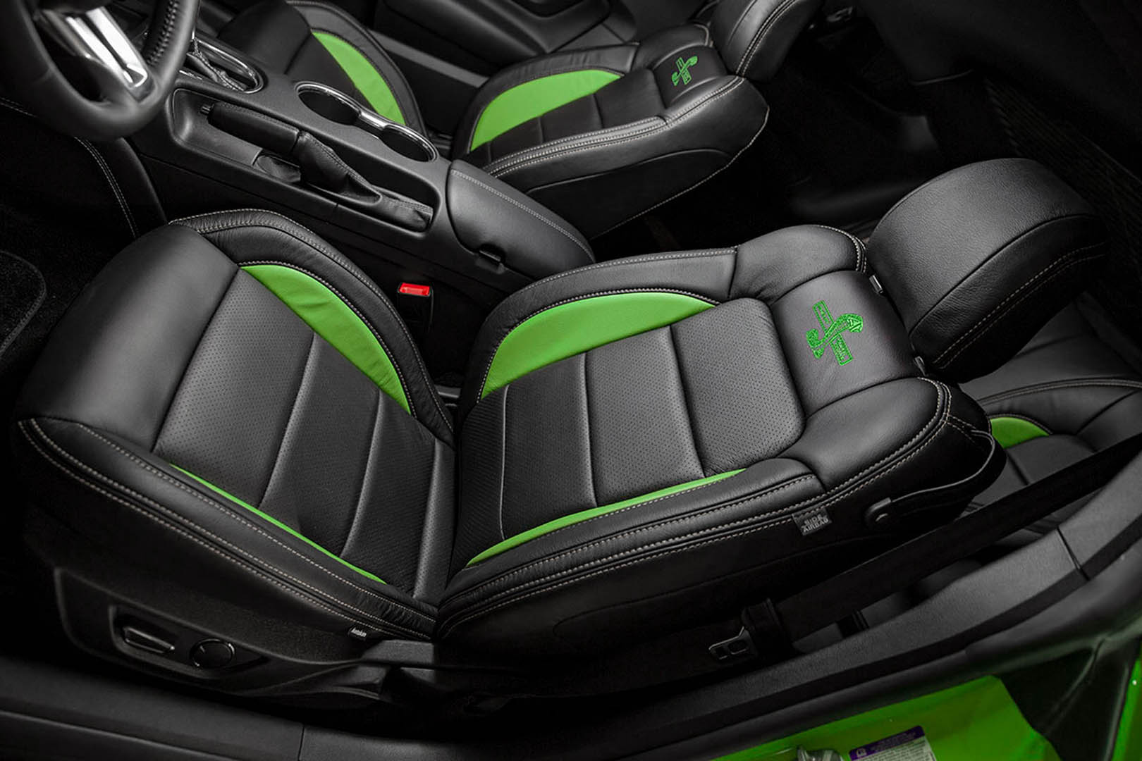 Super Snake Bold Green Interior